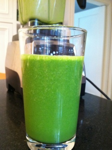 Spinach, Banana & Almond Milk Smoothie