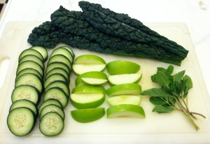 Ingredients for Kale Cucumber Apple Mint Juice
